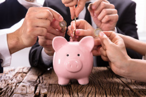 Mit Crowdlending können auch Selbstständige, Freiberufler, Arbeitnehmer in der Probezeit, Studenten und Personen mit schlechter Schufa einen Kredit bekommen